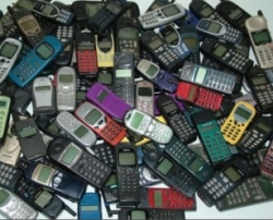 raccolta cellulari dismessi