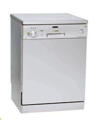 lavare-i-piatti-risparmiando-1