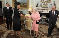 queen_elisabethii_e_michelle_obama