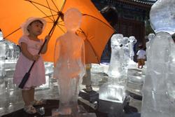 sculture_ghiaccio_bambina