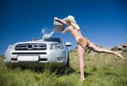 lavare_auto_rispettando_ambiente