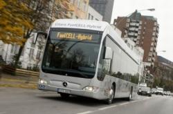 bus_ibrido_mercedes-benz