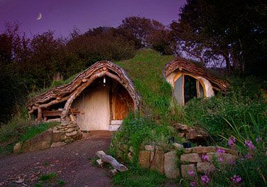 9-hobbit-house-bl