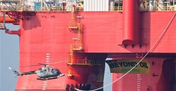 Greenpeace_piattaforma_petrolifera
