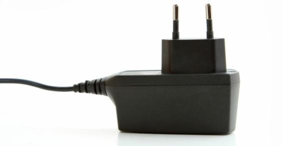 caricabatterie_universale
