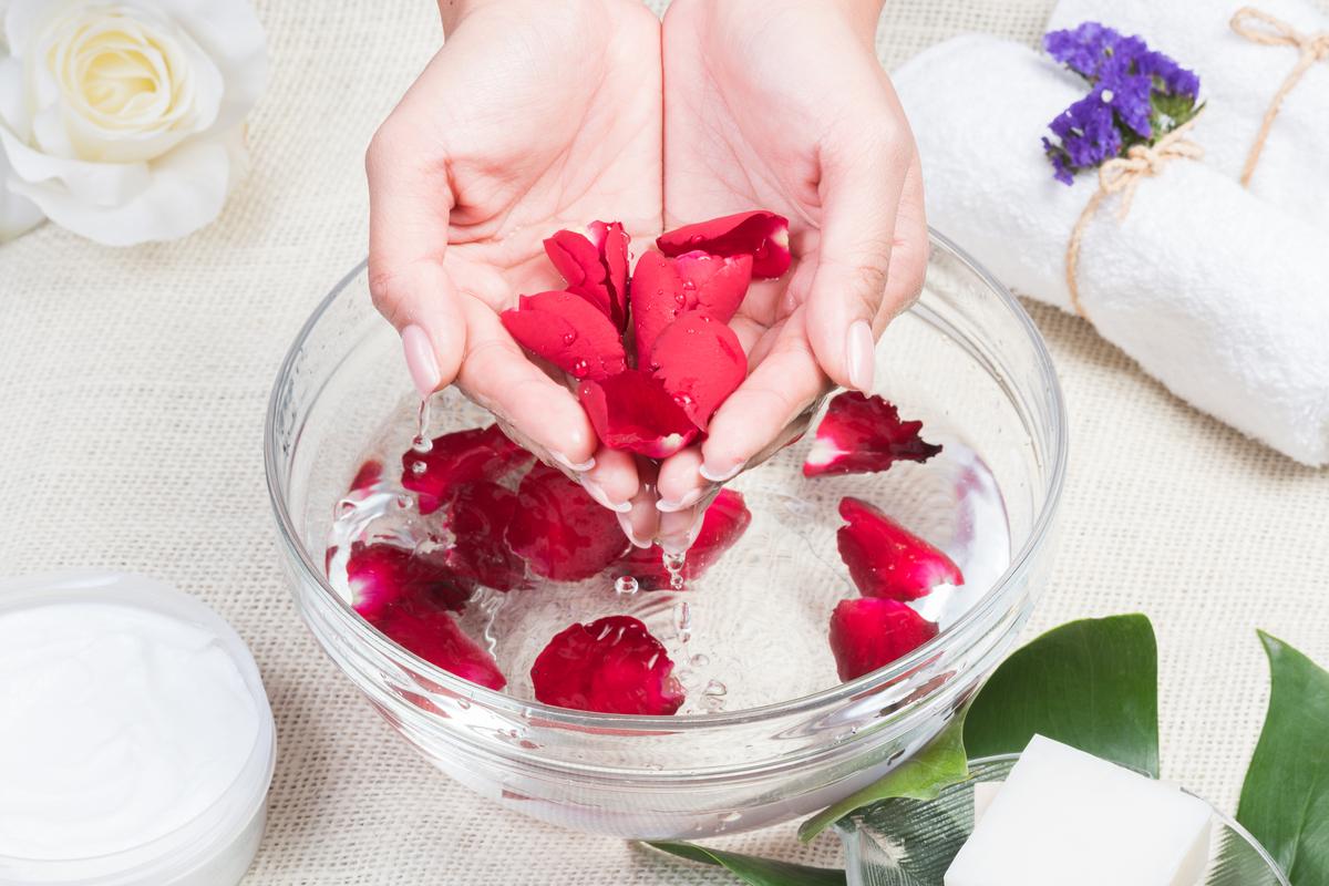 Rose Fai Da Te l'acqua di rose fai-da-te: il procedimento per realizzarla