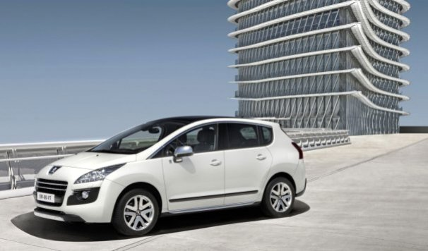 A_special_edition_of_Peugeot_3008_HYbrid4_comes_at_Geneva