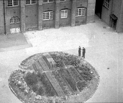 london-crater-garden