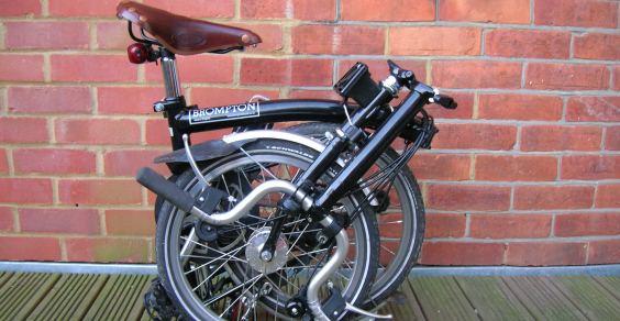 Bici Brompton Pieghevole.Dock Brompton A Londra Il Bike Sharing Si Fa Con Le Bici