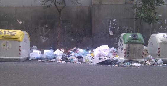 rifiuti_napoli_decoro_urbano