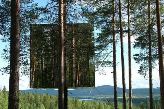 Treehotel-Mirrorcube-Treehouse-DIY-Delivery-1