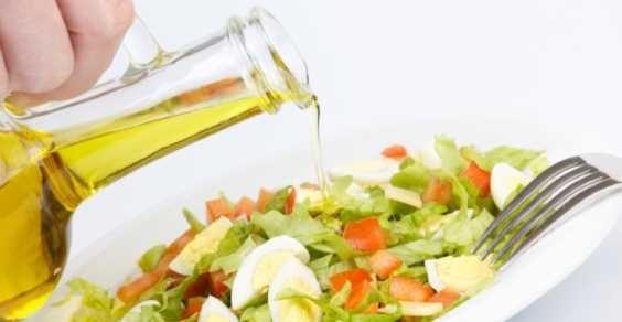 insalata olio oliva