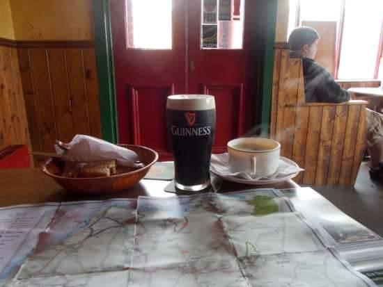 Pranzando al pub pianificando litinerario
