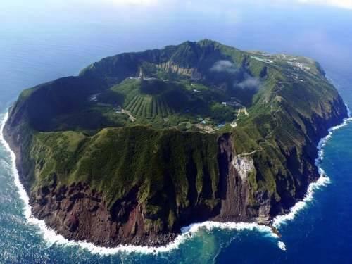 aogashima island 2