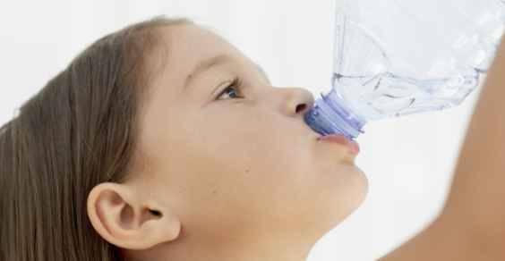 rubinetto bottiglia acqua