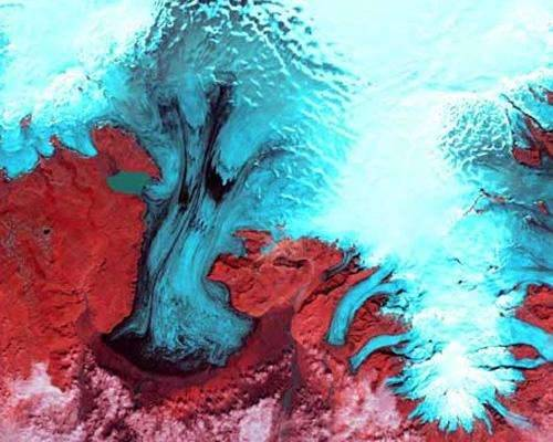 b2ap3_thumbnail_1.-Vatnajokull-Glacier.jpg