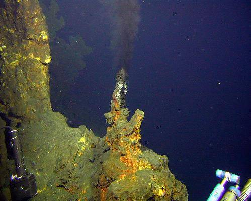 b2ap3_thumbnail_6.-Deep-sea-hydrothermal-vents.jpg