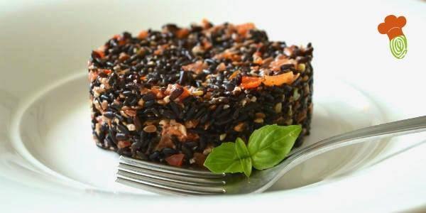 riso nero con pesto di pomodorini