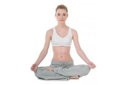 yoga posizione semplice Fonte foto: breakingmuscle.com