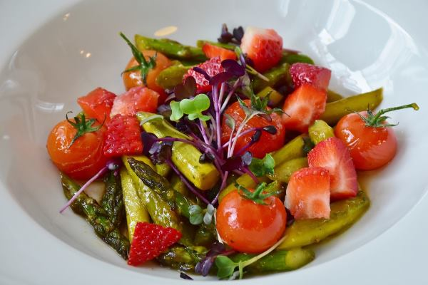 asparagi pomodori