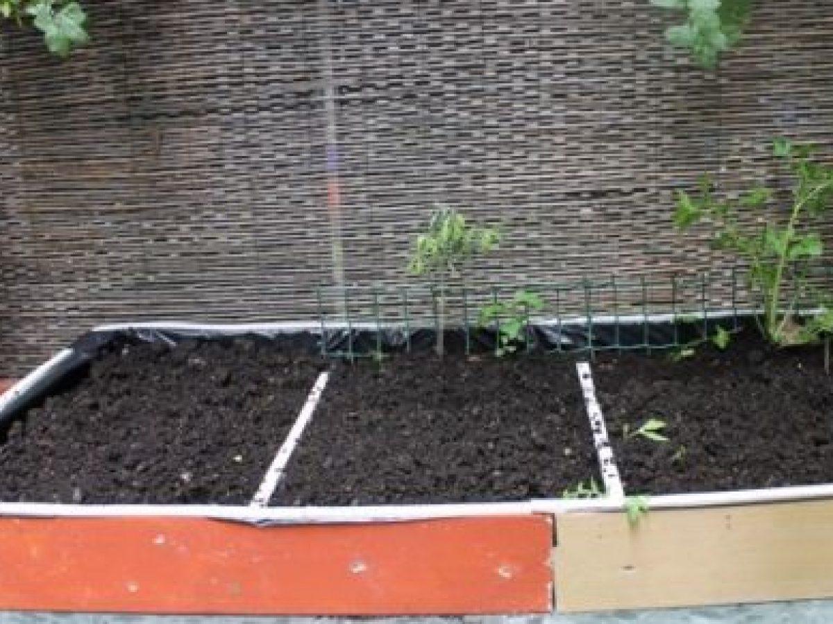 Costruire Un Tavolo Da Giardino In Legno.Orti Sul Balcone Come Costruire Un Tavolo Orto Fai Da Te Greenme It