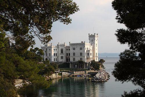 000001-Castello-Miramare