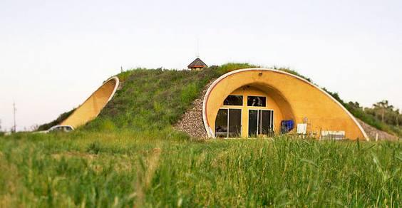 eatwell farrm earth house hobbit