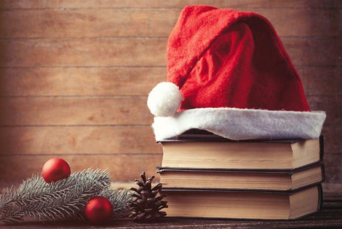 Libri Decorazioni Natalizie.10 Alberi Di Natale Realizzati Con I Libri Greenme