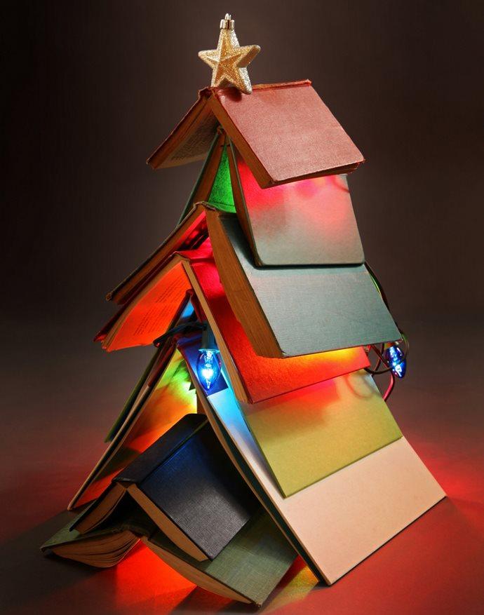 albero natale libri scrivania