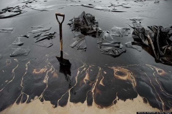 10. Sabbia e petrolio
