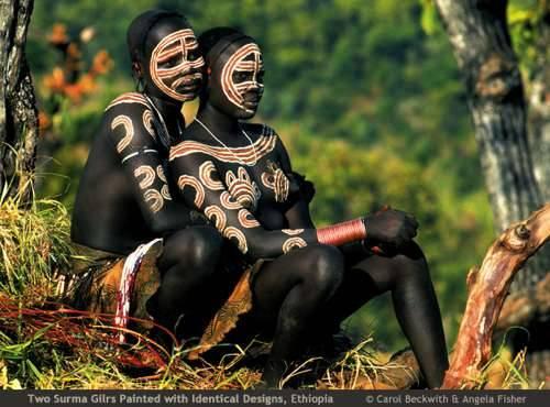 b2ap3_thumbnail_African-Ceremonies-Carol-Beckwith-e-Angela-Fisher-03.jpg