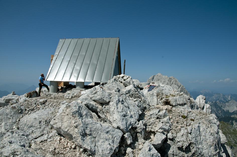 rifugio alpi giulie 1