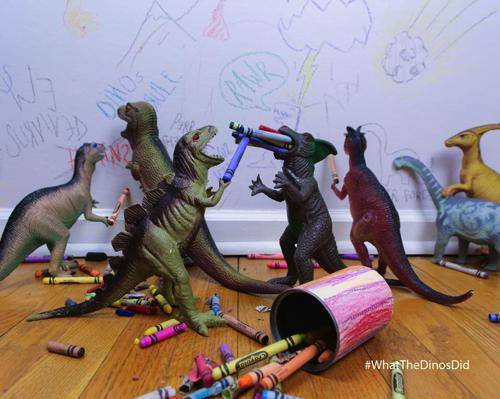 b2ap3_thumbnail_dinovember-dinosauri-giocattoli-prendono-vita-notte-bambini-06.jpg