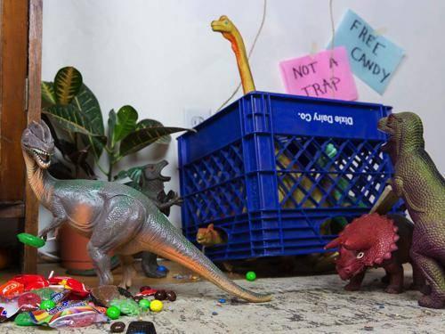 b2ap3_thumbnail_dinovember-dinosauri-giocattoli-prendono-vita-notte-bambini-08.jpg