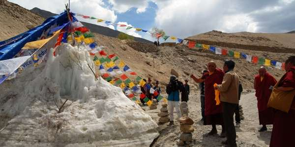 ice stupa cover