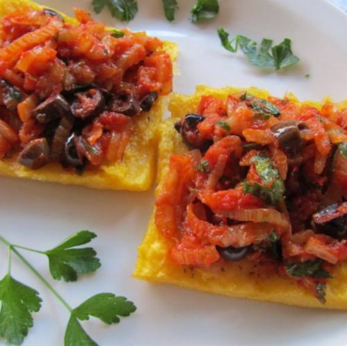 polenta vegan crostini con finocchi