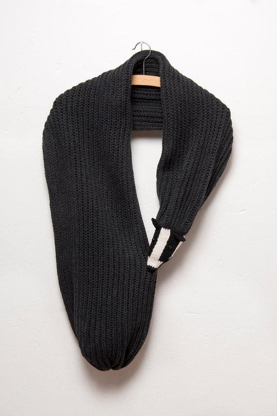 prezzo più basso pensieri su Nuovi Prodotti Le 15 sciarpe fatte a maglia più bizzarre del mondo - GreenMe.it
