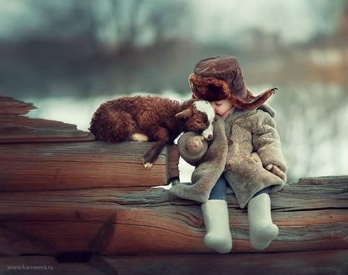b2ap3_thumbnail_Elena-Karneeva-meravigliose-foto-rapporto-animali-bambini-00.jpg