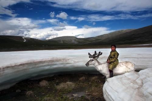 b2ap3_thumbnail_Hamid-Sardar-Afkhami-mongolia-foto-Dukha-popolo-renne-07.jpg
