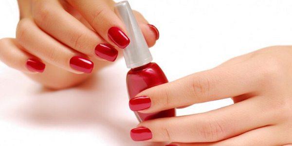 smalto per unghie sostanze tossiche
