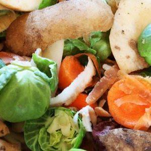 Sprechi alimentari: la Francia obbliga con una legge i supermercati a donare il cibo avanzato