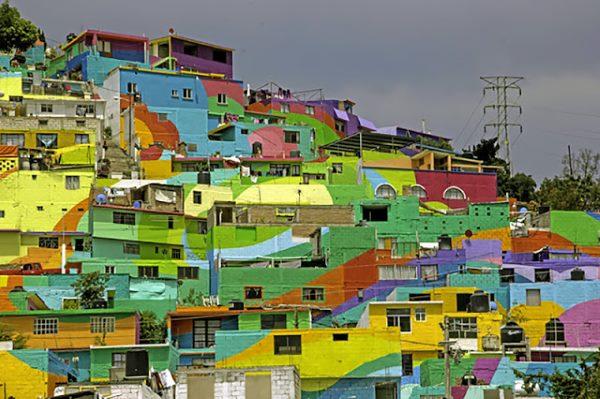 6. MacroMural Barrio de Palmitas