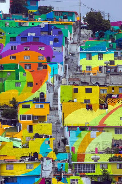 7. MacroMural Barrio de Palmitas