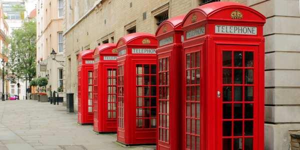 cabine telefoniche londra defibrillatori