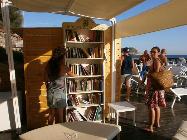 libreria da spiaggia