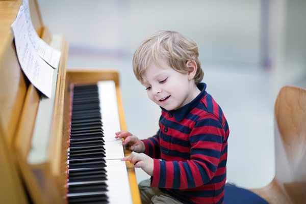 bambini strumenti musicali