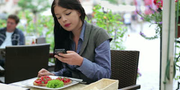 disturbi alimentari smartph