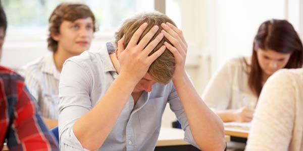 mal di testa studente