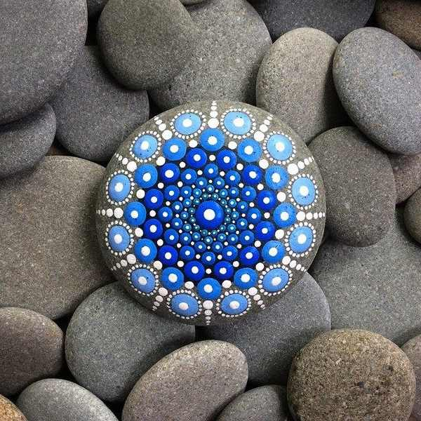 mandala pietre 12