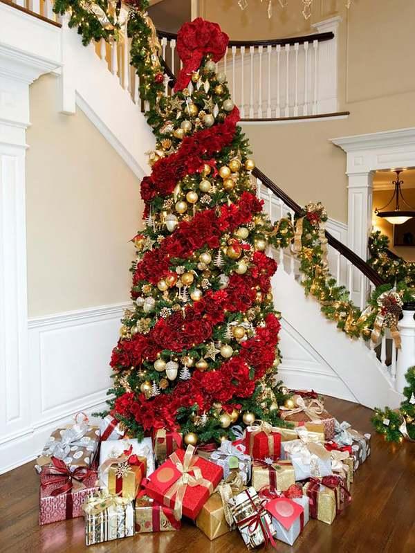 Alberi Di Natale Decorati Foto.I Meravigliosi Alberi Di Natale Decorati Con I Fiori Foto Greenme